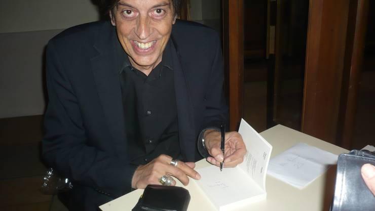 Pedro Lenz signierte auch