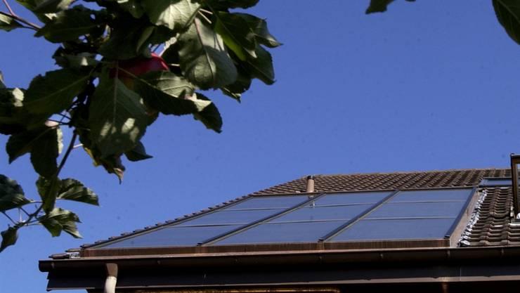 In Arisdorf geriet eine Solaranlage in Brand. (Symbolbild)