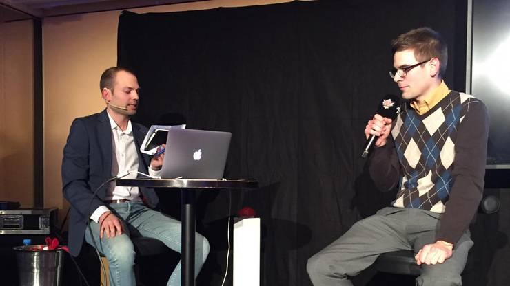 Ralph Steiner (Links) stellte den Kandidaten die kniffligen Fragen.