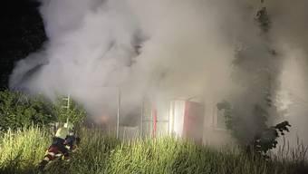 In Birr kam es in der Nacht auf Dienstag gleich zu zwei Bränden. In beiden betroffenen Mehrfamilienhäusern wurde laut den Behörden mit Absicht Feuer gelegt.