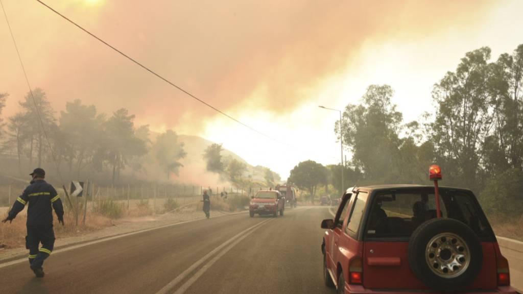 Hitze und Brände in Griechenland dauern an - Mindestens 16 Verletzte