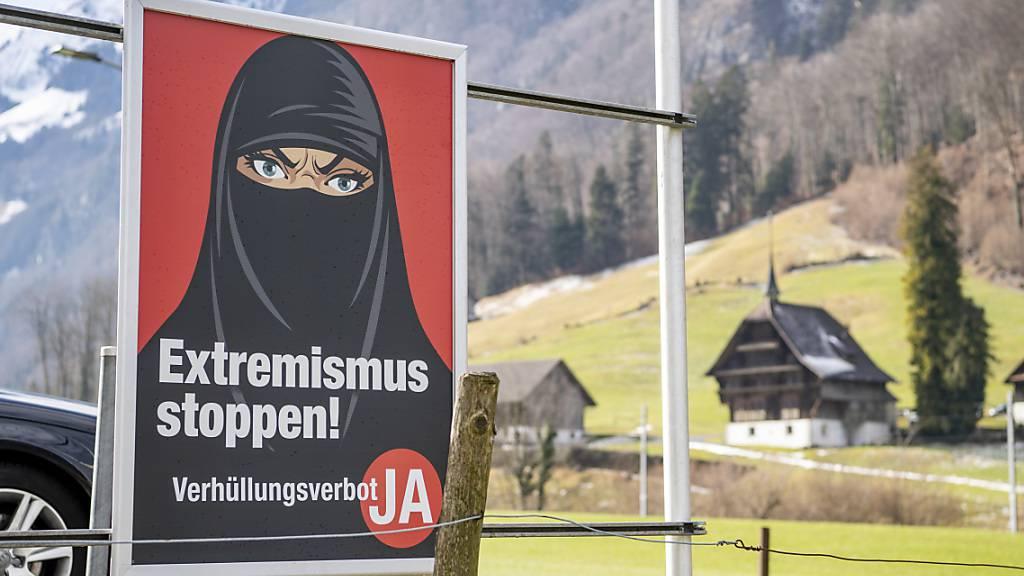 Ablehnung von E-ID – Ja zu Freihandel und Burka-Verbot