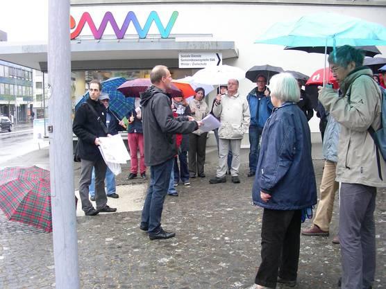 Urs Heimgartner Chef Bau + Planung erläutert die Situation beim EWW