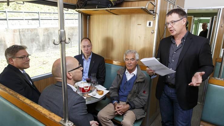 Im Element: Tourismusdirektor Jürgen Hofer, hier bei einer Veranstaltung des Vereins Weissensteintunnel Linie 411.