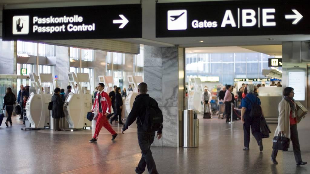 Schweizer Grenzen sind jetzt auch für Reisende aus dem Schengen-Raum zu
