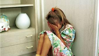 Sexueller Missbrauch in der Kindheit hinterlässt Wunden (Symbolbild)
