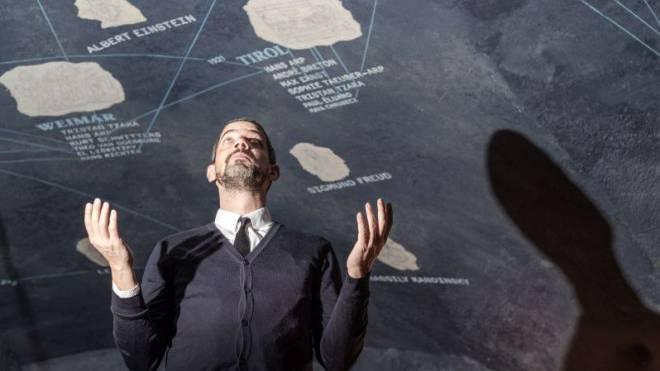 Adrian Notz, der Leiter des Cabarets Voltaire in Zürich, steht unter dem Dada-Universum, das hier 1916 geboren wurde. Foto: Mario Heller