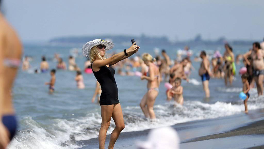 Surfen in den Ferien ist (noch) teuer
