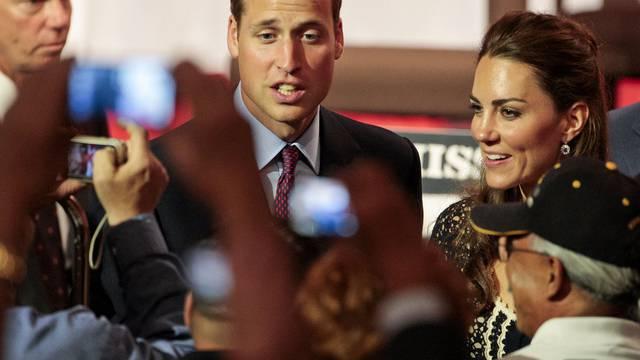 """Nach Tagen im Rummel der Öffentlichkeit wollen Prinz William und seine Frau Kate """"ein Eheleben in aller Zurückhaltung"""" geniessen (Archiv)"""