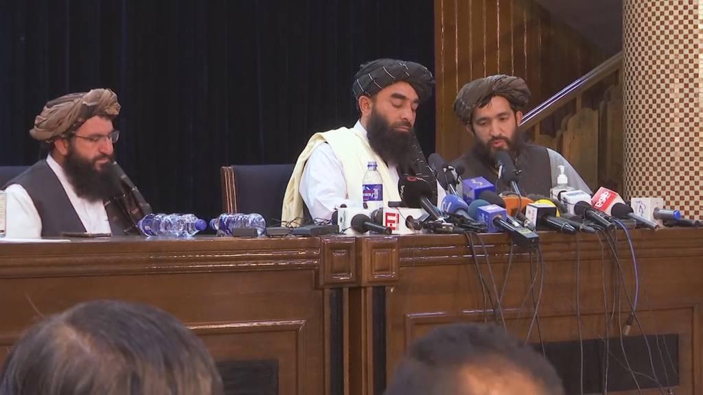 Frauenrechte und politische Stabilität: Das versprechen Taliban in erster Pressekonferenz