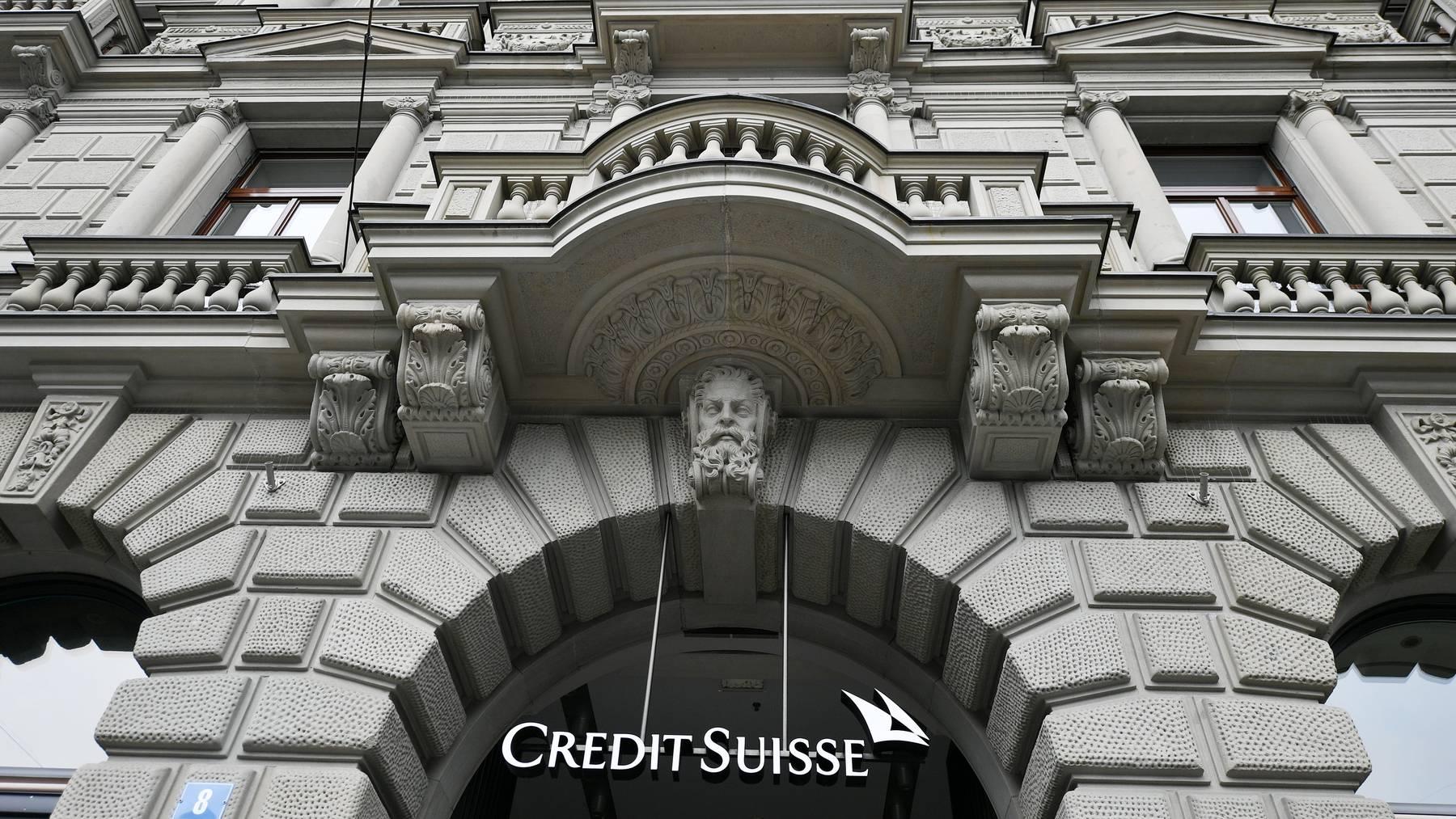 Die Credit Suisse will umstrukturieren und jährlich 400 Millionen Franken einsparen.