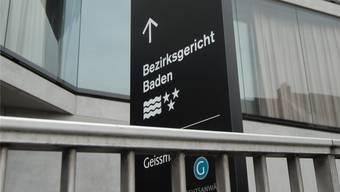Das Bezirksgericht Baden sprach den Beschuldigten in wenigen Punkten frei und folgte ansonsten weitgehend der Anklage.