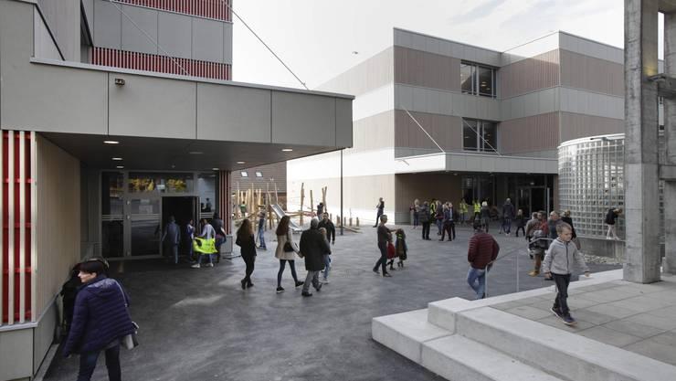 In Rütihof wurde letzten Samstag das neue Schulhaus eingeweiht
