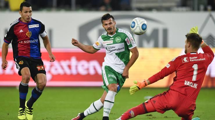 Stürmer Albian Ajeti unterschrieb diese Woche beim FC St. Gallen einen Vertrag bis 2021. Ajeti ist den Baslern durchaus bekannt, denn er durchlief alle Nachwuchsabteilungen des FCB. Im heutigen Spiel fehlt er allerdings wegen einer Sperre.
