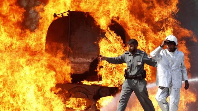 In Afghanistan brennen immer wieder Tankfahrzeuge (Archiv)
