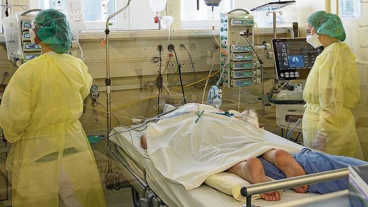 Auf der Intensivstation am Kantonsspital Baden werden derzeit vier Patienten beatmet.
