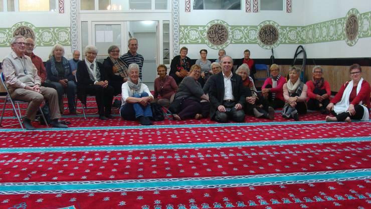 in der Moschee mit dem Imam