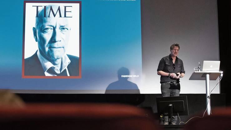 Marco Grob erklärt, wie Oltens Stadtpräsident Martin Wey auf die Frontseite des «Time Magazine» kommt.