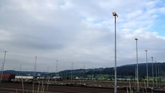 Im Rangierbahnhof Spreitenbach brennen die Lichter auch am Tag