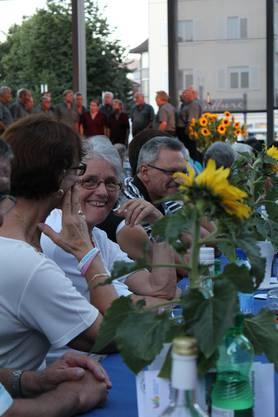 Zeit zum Plaudern und Lachen - Mitglieder und Sympathisanten des Stadtvereins Dietikon feiern 100 Jahre