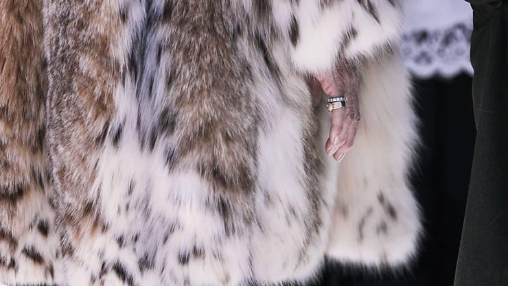 """Pelze von Tieren müssen neu als """"Echtpelz"""" gekennzeichnet werden. Der Bundesrat hat eine entsprechende Verordnung verschärft. Das soll es der Kundschaft ermöglichen, auf einen Blick zwischen Kunst- und Echtpelz zu unterscheiden. (Archivbild)"""