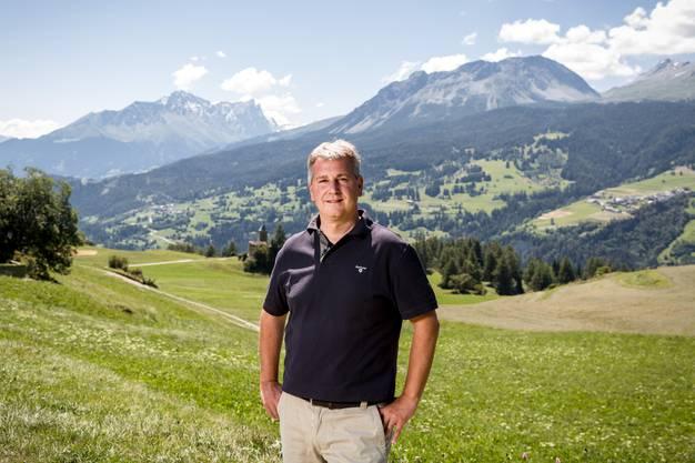 Erholung in der Schweiz: Der SVP-Ständerat Marco Chiesa geniesst die Bergwelt in der Nähe seiner Ferienwohnung Lenz GR.