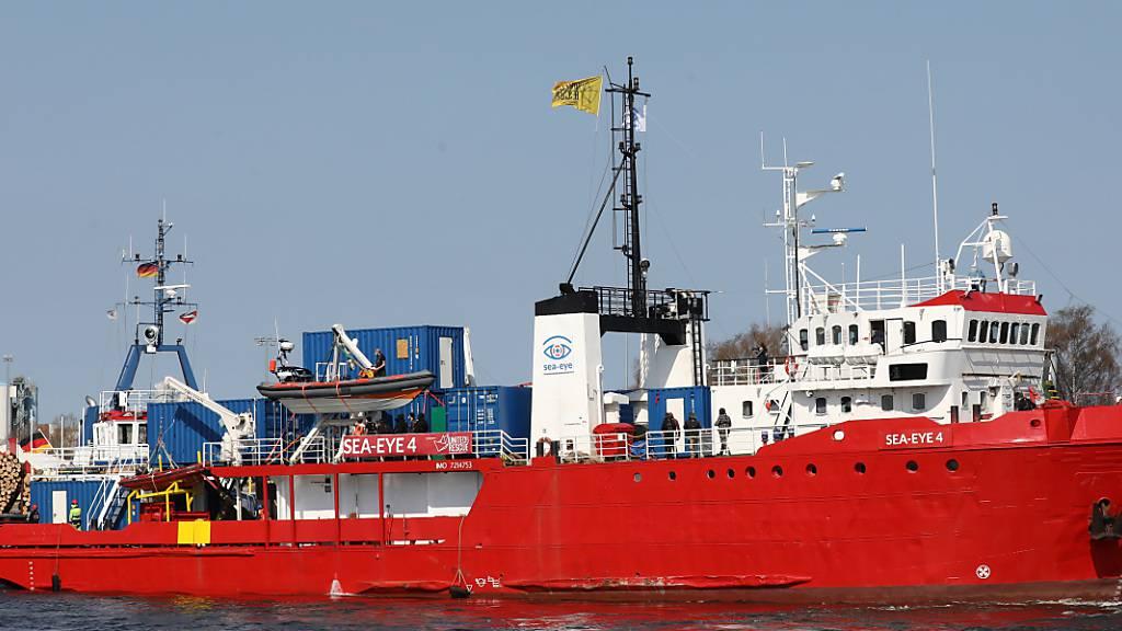 ARCHIV - Die italienischen Behörden haben das Seenotretterschiff «Sea-Eye 4» im Hafen der sizilianischen Stadt Palermo festgesetzt. Foto: Bernd Wüstneck/dpa-Zentralbild/dpa