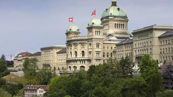 Die Parlamentarierinnen und Parlamentarier treffen sich zur letzten Session vor den Wahlen vom 20. Oktober. Manche werden das Bundeshaus danach nur noch von aussen sehen.