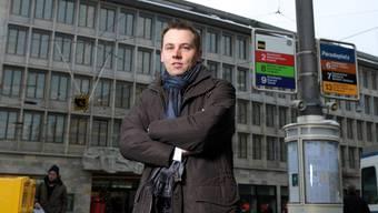 Kampf den Abzockern: Claudio Kuster auf dem Zürcher Paradeplatz, dem Finanzzentrum der Schweiz.Siggi Bucher