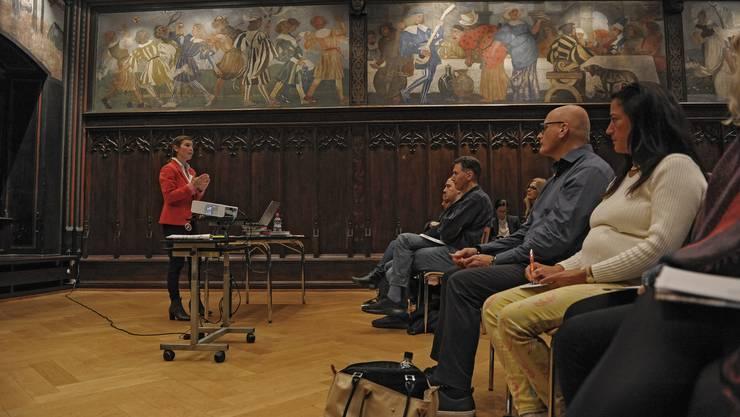 Der Kurs «Wie ticken Schweizer?» der GGG ist bisher freiwillig.