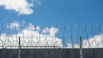 W. aus Baden wurde zu dreieinhalb Jahren Gefängnis verurteilt. (Symbolbild)
