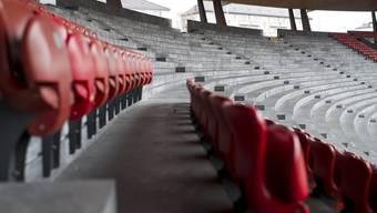 Die Stühle sind zu schwach: Blick in das Letzigrund-Stadion in Zürich (Archiv)
