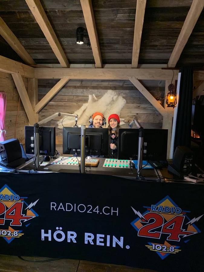 Zum Abschluss der Tour de 24 sendeten wir live von der Bockalp aus der Schaffhauser Altstadt inklusive Eisdisco. (© Radio 24)