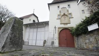 Der Haupteingang des Massnahmenzentrums St. Johannsen bei Le Landeron (Archiv)