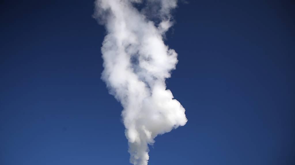 Eine Mehrheit der Schweizer Unternehmen steht hinter dem Netto-Null-Emissionsziel. (Archiv)
