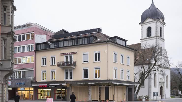 Am Bahnhofplatz wird die Gelateria Mona Lisa umgebaut – hier zieht zum Frühlingsanfang wieder ein Eiscafé ein.