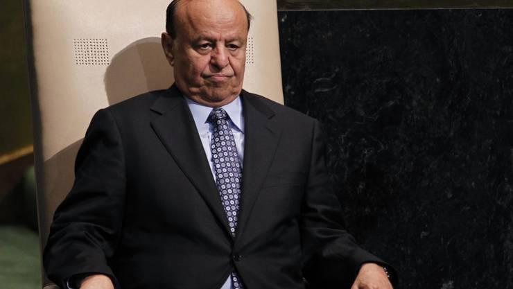 Ein Gericht in der von Huthi-Rebellen kontrollierten jemenitischen Hauptstadt Sanaa hat den ins Exil geflohenen Präsidenten Abed Rabbo Mansur Hadi und weitere Amtsträger in Abwesenheit zum Tode verurteilt. (Archivbild)