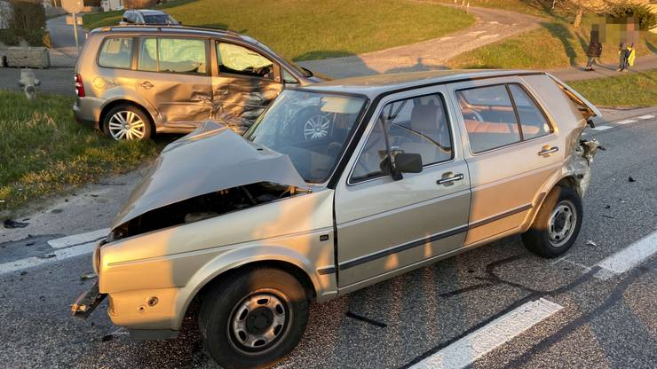 Der Schaden an den Autos beträgt insgesamt 25'000 Franken.