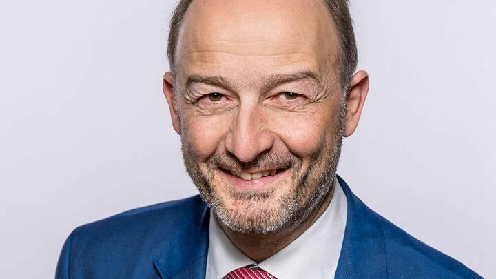 Urs Marti bleibt Churer Stadtpräsident ++ Bruchlandung für Skispringer Simon Ammann