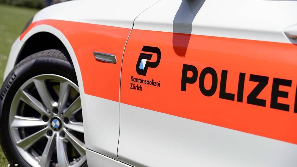 Razzien bei zwei 19-Jährigen: Polizei stellt Schusswaffen sicher