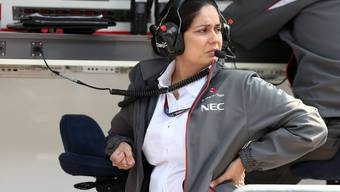 Sauber-Chefin Monisha Kaltenborn muss unten durch und wird von Journalisten heftig kritisiert.