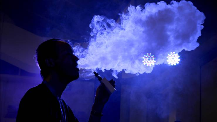 15 Prozent der regelmässigen Konsumenten von E-Zigaretten schafften es sogar, ganz mit dem herkömmlichen Rauchen aufzuhören. Jason Lee/Reuters
