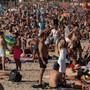 Überfüllter Strand in Barcelona: In Spanien breitet sich das Coronavirus wieder stärker aus.