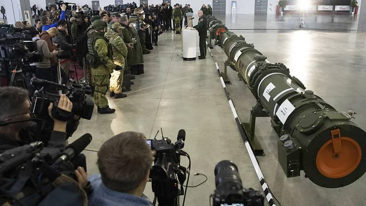 Atomwaffen haben nach Ansicht von Friedensforschern wieder eine zunehmende Bedeutung in Verteidigungsstrategien -  zum Beispiel bei Russland. (Archivbild)