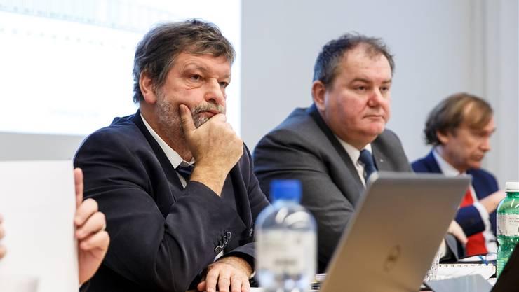 Geben sich derzeit wohl gegenseitig zu denken: Finanzdirektor Roland Heim (l.) und Roger Siegenthaler, der Präsident des Einwohnergemeindeverbandes. Bild: HP. Bärtschi
