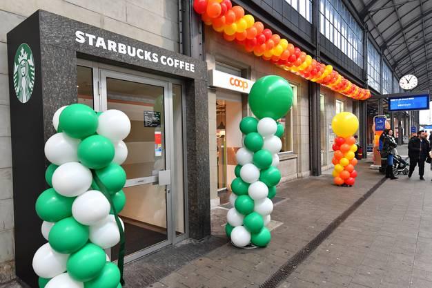 Direkt neben dem neuen Starbucks...