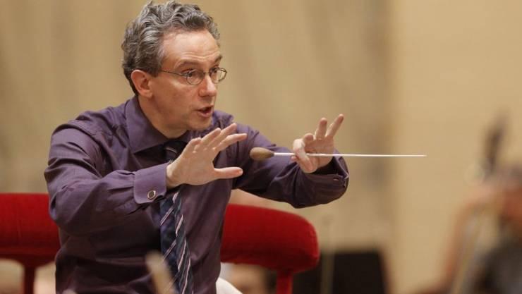 Der Dirigent Fabio Luisi distanziert sich vom Echo-Musikpreis. Der Italiener, der als Generalmusikdirektor am Opernhaus Zürich wirkt, erhielt den Echo Klassik 2009. (Archivbild)