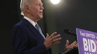 Joe Biden hat sich offiziell die Nominierung der US-Demokraten bei den US-Präsidentschaftswahlen gesichert - und tritt damit gegen den Republikaner Donald Trump an, der sich um eine zweite Amtszeit bemüht.