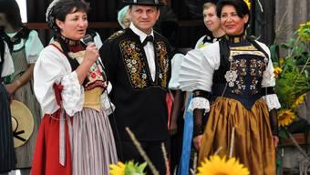Die Sichlete in Oberwil erfreut Jung und Alt mit der Präsentation traditioneller Bräuche