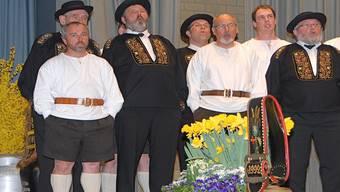 Der Jodlerklub vom Studenland Wislikofen mit den Telläbuebä. PID